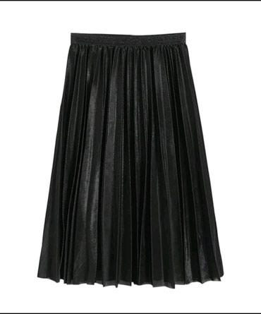 Nova crna suknja, ima i podsuknju. Duzina 70cm. Velicina univerzalna, - Belgrade