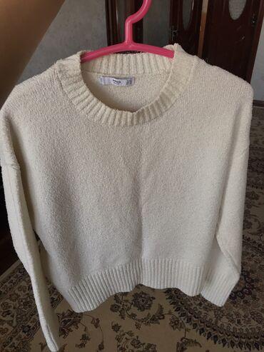 Мягкий свитер от Mango,благородного цвета Айвори!