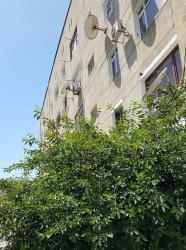 диски р15 4 98 на ваз в Азербайджан: Продается квартира: 4 комнаты, 98 кв. м
