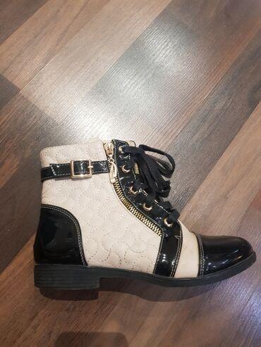 инверсионные ботинки бишкек in Кыргызстан   ГРУЗОВЫЕ ПЕРЕВОЗКИ: Обувь на девочку: ботинки деми 35р. В отличн состоянии 2. Босоножки