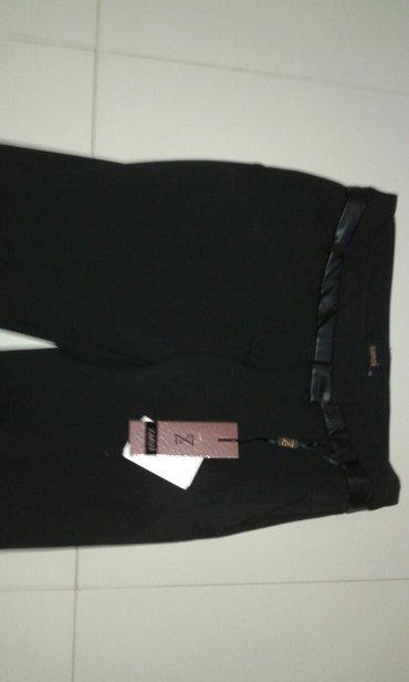 Pantalone novo velicina  xs s m  novo vrne na peglu padaju ravno - Backa Palanka
