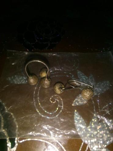 Srebro-prsten - Srbija: Srebrni prsten i mindjuse staro srebro 9 g.radi se o srebru sa
