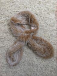 H-m-keper-haljinatroakove-slanja-snosi-kupac - Srbija: Lisica od prirodnog krzna nova (nekorišćena), kupljena i odložena ličn