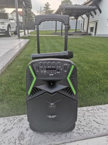 Elektronika - Kikinda: Blutut zvucnik s mikrofonom