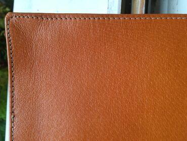 Kožna torbica  Dimenzije 15 x 23 cm