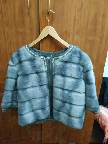 черную шубку в Кыргызстан: Продаю шубку. размер 48. состояние новой