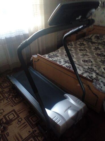 Беговые дорожки в Кемин: Беговая дорожка,почти новая,цена окончательная