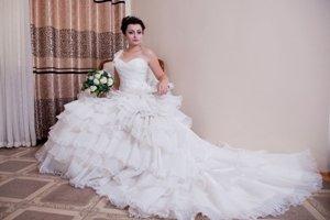 свадебные украшения в Кыргызстан: Свадебное платье на прокат и продажу. в подарок фата+украшения