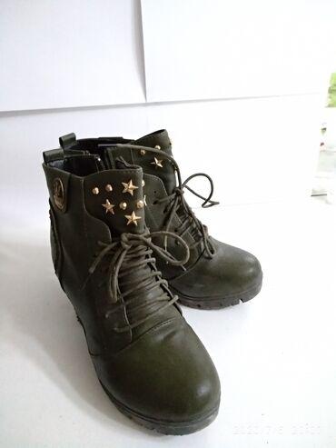 Ботинки на невысоком каблуке. Осень. Состояние отличное