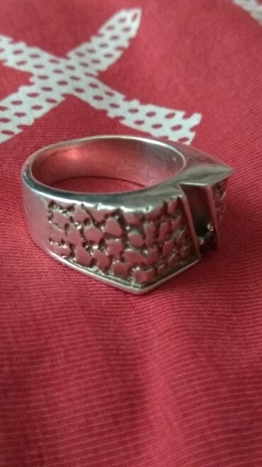 Серебряная Печатка с камнем  Или меняю на что нибудь интересное