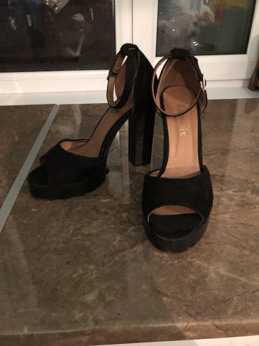 туфли чёрные замшевые в Кыргызстан: Очень красивые замшевые туфль чёрного цвета. Цена 1000