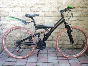 Велосипеды - Кыргызстан: Продам спортивный двухподвесный велосипед. размер колес 26.Почти все