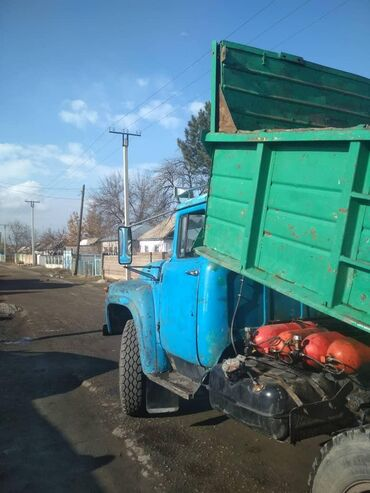 диван др в Кыргызстан: На ЗИЛ 130 есть почти всё кабина рессоры головки и др