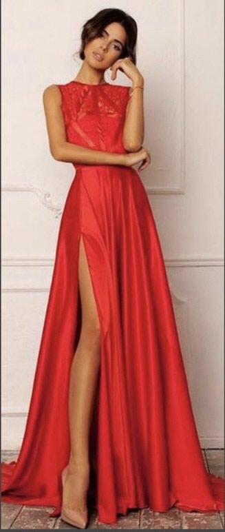 Bakı şəhərində Red dress
