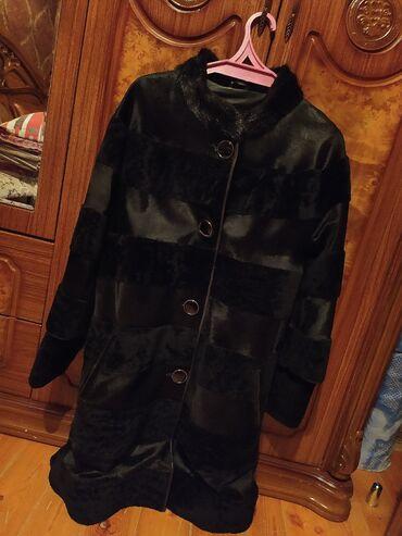 Palto 40azn Yenidir demek olar 1 defe geyinilib Teze Veziyyetdedir XL