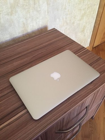 Bakı şəhərində Apple macbook air early 2015. ноутбук был куплен в