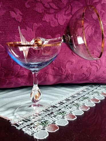 Čaše za piće - Srbija: Case nove za dvoje. visina. 14cm. precnik otvora. 10cm