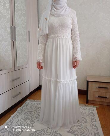 Новое платье, носили только один раз на свадьбу, состояние суперская
