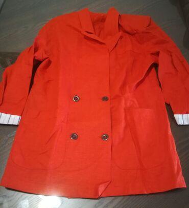 Kostimi - Srbija: Zanimljiv narandžasti sako vel 44. Obim grudi kod sakoa 96 cm, dužina