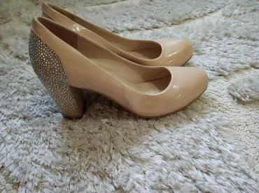 Лакированные туфли отличного качества. размер 38