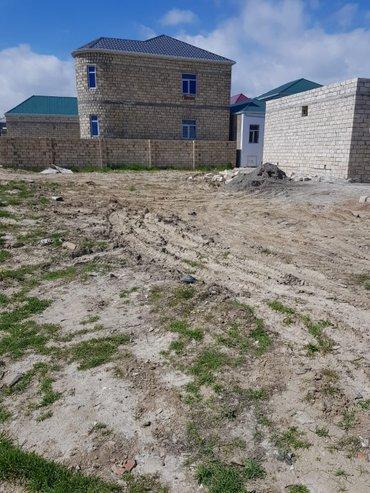 Bakı şəhərində Tecili masazirda girisde 569 nomreli marsrut yolunda dayanacaqa  200