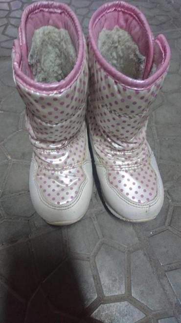 сапожки осение в Кыргызстан: Сапожки белые зима холодная осень. Не промокаемые удобные и красивые