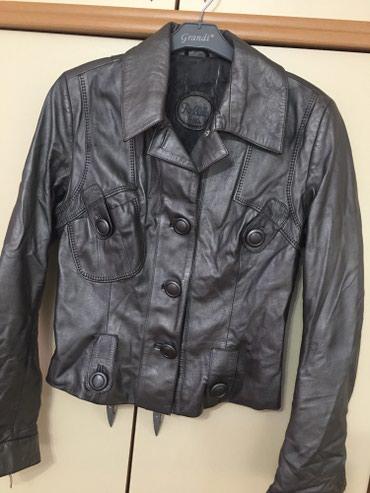 Kozna jakna u sivoj boji,M velicina,bez ikakvog ostecenja. Jako - Kragujevac