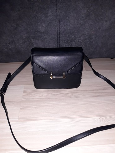 Klasična crna torba jako kvalitetna - Nis