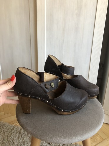 PRAVA KOZA, zenske sandale na stiklu, broj 39, malo nosene, nigde nisu - Pancevo