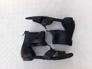 Phenomena - broj 40. Prelepe sandale- udobne i lagane. Broj 40 gazist