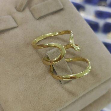 Очень красивый и эксклюзивный кольцоДизайн ИталияСеребро под желтого