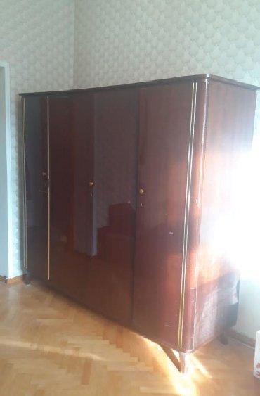 деревянная спальня в Азербайджан: 80 azn.Təcili satılır.Sabaha evdən çıxmalıdı.ünvan:Qara Qarayev