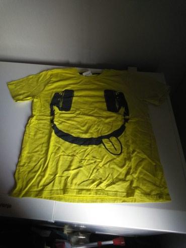 Muška odeća | Beocin: Prodajem novu musku majicu marka Yigga