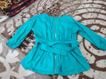 Красивая почти новая блузка в Бишкек