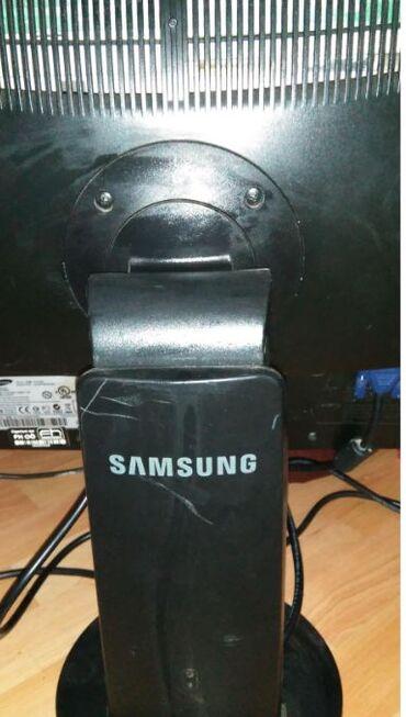 Na prodaju monitorSamsung 20 incisuncmaster 2043wmPodesivo