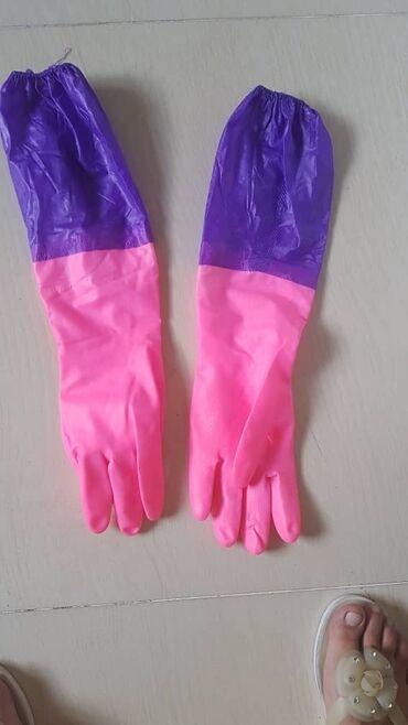 Резиновые перчатки. Просмотрите профиль