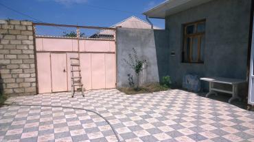 Şəmkir şəhərində Semkir rayon qarayagdida 3 otaq,metbex  hamam-tualet evin icindedir.