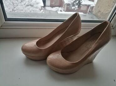 Продаю срочно туфли