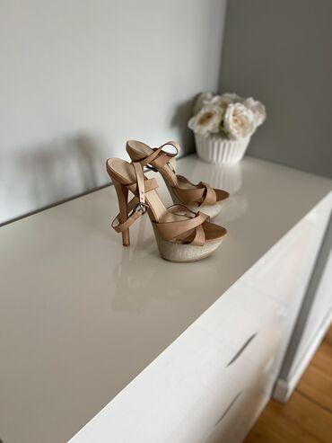 Letnje sandale na visoku platformu. Velicina 36,5. Nosene,ostecenja vi