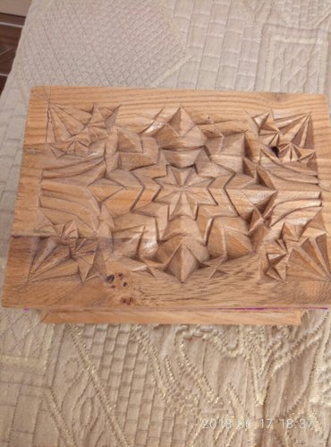 деревянные игрушки ручной работы в Кыргызстан: Продам очень красивую шкатулку ручной работы