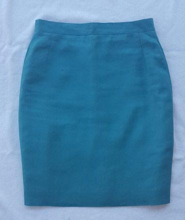 Zimska mini karirana suknja poluobim struka je - Srbija: Mini suknja XS u savršenom stanju. Suknja je postavljena i nema