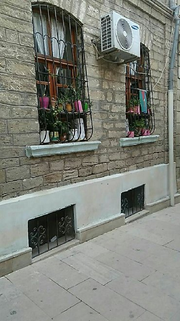 ev alqi satqisi sebail rayonu - Azərbaycan: Satış Evlər mülkiyyətçidən: 50 kv. m, 2 otaqlı