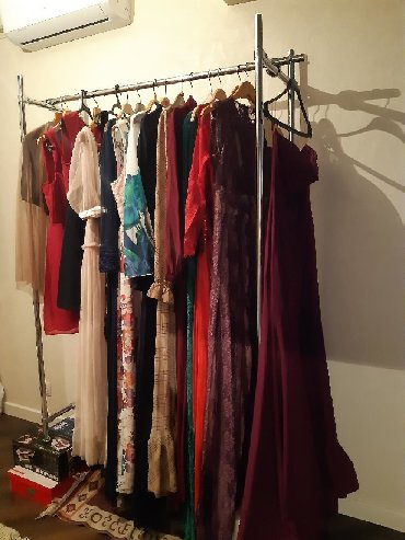 длинные закрытые вечерние платья в Кыргызстан: Продаю вечерние платья в связи с закрытием бутика. Эксклюзивные