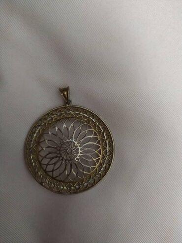 Продаю серебряный кулон цена 900 сом