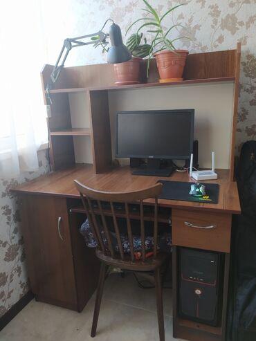 Продается компьютер и стол. Отличное состояние. Установлен Windows 10