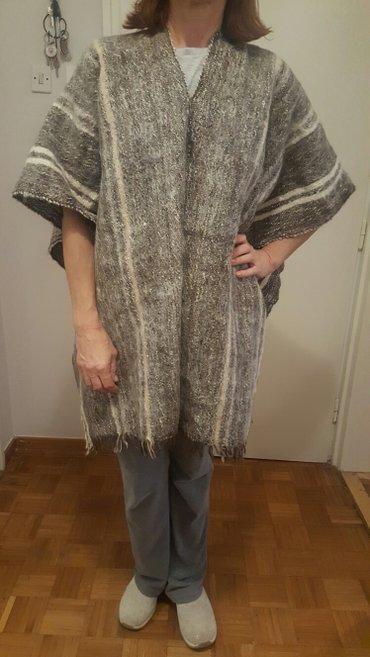 Pončo od lamine vune. Originalan. Kupljen u Peruu - Belgrade