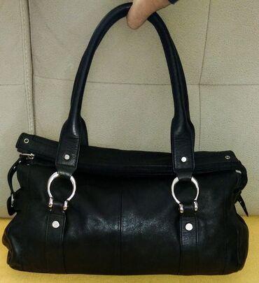 Cellini - crna kožna torbaOdlična torba od meke prirodne kože