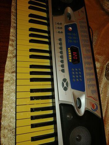 Синтезаторы - Азербайджан: Sintizator pianino sesi var