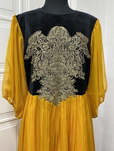вечернее платье шелк в Кыргызстан: Платье на прокат. Ярко-оранжевое платье из итальянского шёлка, вышитая