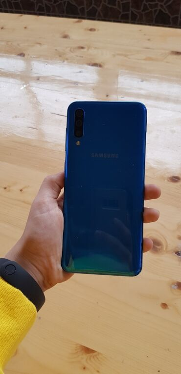 Samsung - Salyan: İşlənmiş Samsung A500 128 GB göy